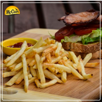 Blt (bacon, Lettuce And Tomato Sandwich) With McCain Shoestring Fries And Tomato Sauce